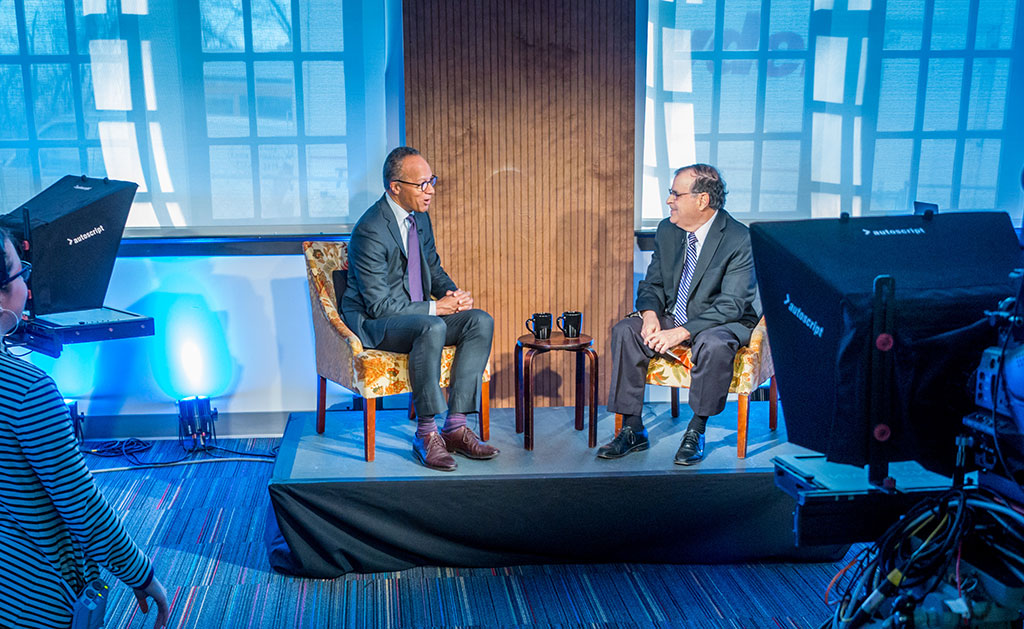 Marc Rosenweig interviews Lester Holt for Carpe Diem.