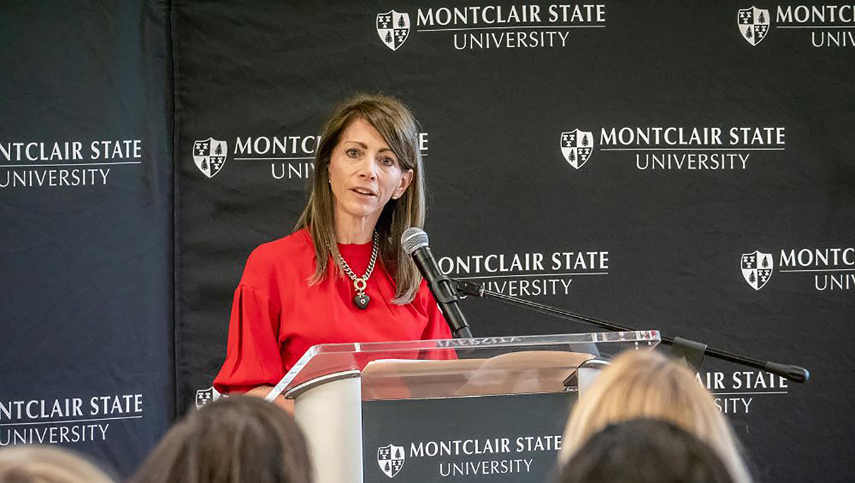 First Lady Tammy Murphy visited campus on National Latina Equal Pay Day.