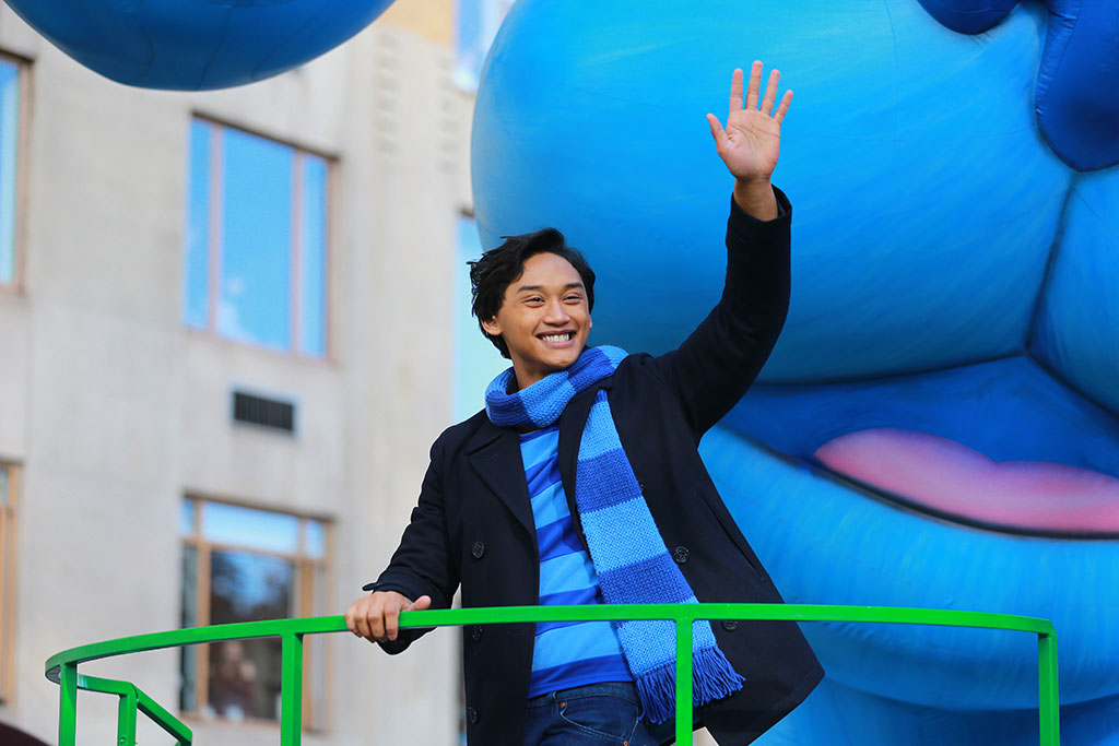 Josh Dela Cruz with Blue at Macy's Thanksgiving Day Parade 2019. Courtesy of Nickelodeon.