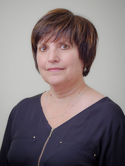 Headshot of Linda Purn.