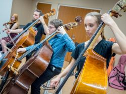 Photo of students playing cello and bass.