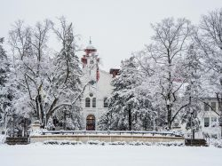 Photo of College Hall in the snow