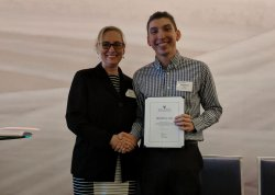 alum receives teaching award