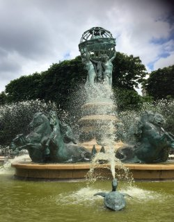 photo of a fountain and water