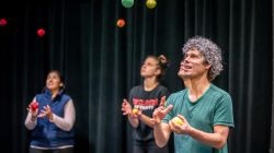 Juggler and artistic director Sean Gandini teaching Montclair State University students how to juggle
