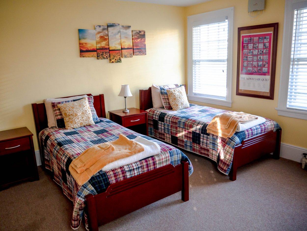 Honeybee Room  U2013 Residence Life